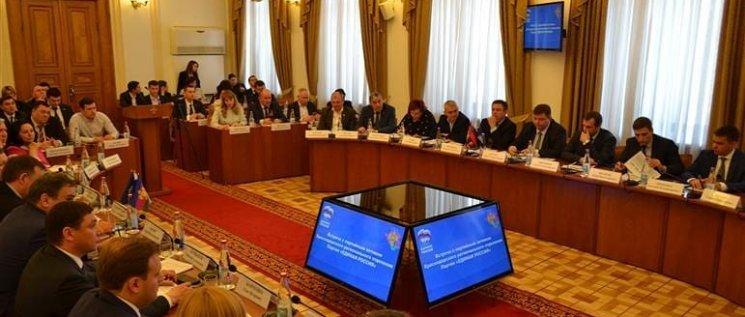Олег Бойченко принял участие  в обсуждении хода реализации национальных проектов и программ в краевом парламенте.