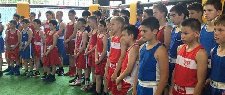 Олег Бойченко принял участие в торжественном открытии турнира по боксу на призы Совета молодых депутатов.