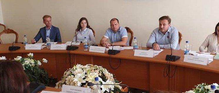 Олег Бойченко принял участие в обсуждении развития юридических клиник, а также государственных центров оказания бесплатной юридической помощи в формате круглого стола.