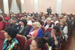 Олег Бойченко принял участие в отчете коллеги по краевому парламенту Юлии Пархоменко перед избирателями в южном округе.  – Работа в округе